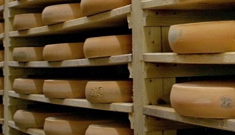 Stockage des meules de Comté